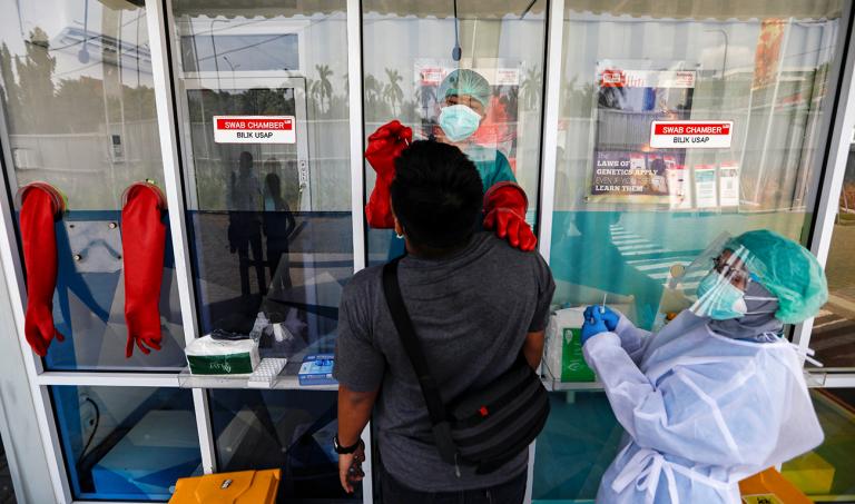 Indonesia allocates $1 million to global coalition for COVID-19 vaccine