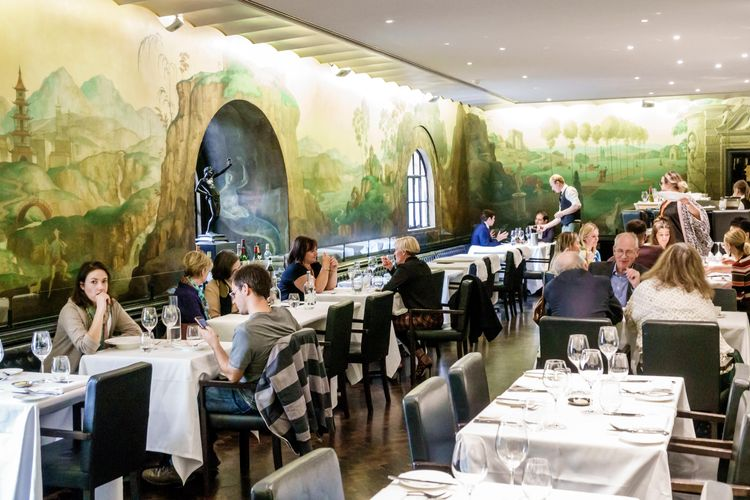 Rex Whistler's Tate Britain restaurant mural is 'offensive', ethics committee says, threatening closure
