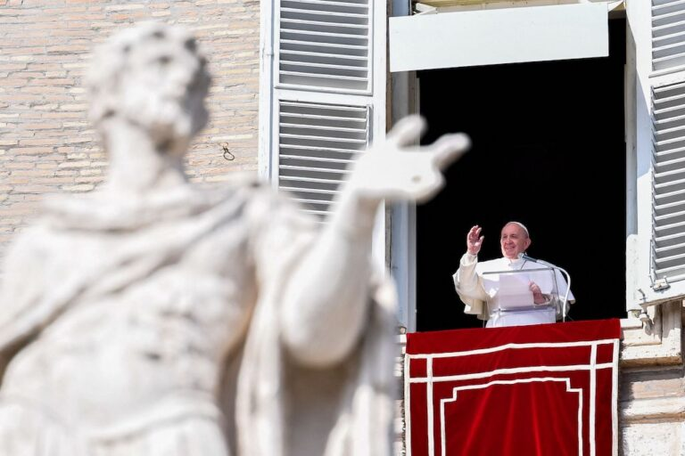 Pope says will make Iraq trip despite rocket attack