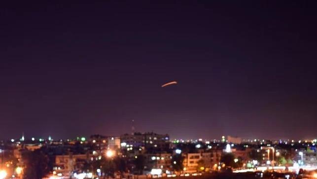 Syria: Israeli strikes near capital Damascus wound 4 troops