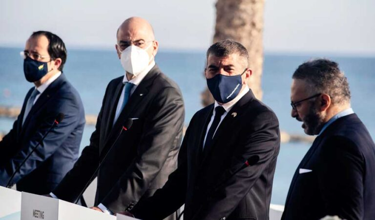 Greek FM visits Egypt in lead-up to Saudi Arabia visit